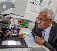 Mini-Solarzellen machen aus Kleidung Strom