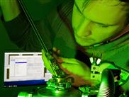 Präziser Blick ins Innerste von Transistoren hilft Energie sparen
