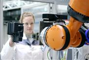 Industrie-Roboter interaktiv steuern