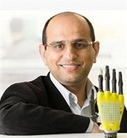 E-Haut füttert Prothesen mit Solarenergie