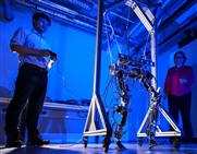 Chemnitzer Robotik-Forscher erfinden neues Robotergelenk