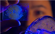 Neuartige Glaswerkstoffe aus organischen und anorganischen Komponenten
