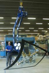 Kurzbeschrieb GIS Krananlage der Glas Trösch AG Fahrzeugglas
