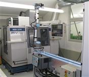 Automationsanlage zur Beschickung  von zwei Maschinen