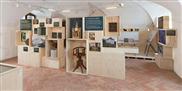 egolf «verpackt» Glarner Schätze im Museum Freulerpalast in Näfels